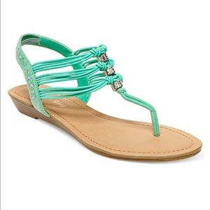 NWT  Madden Girl  green sandals size 7
